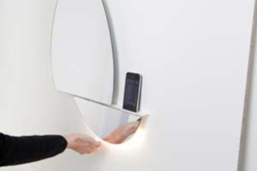 Interactive mirror with drylin® linear guide